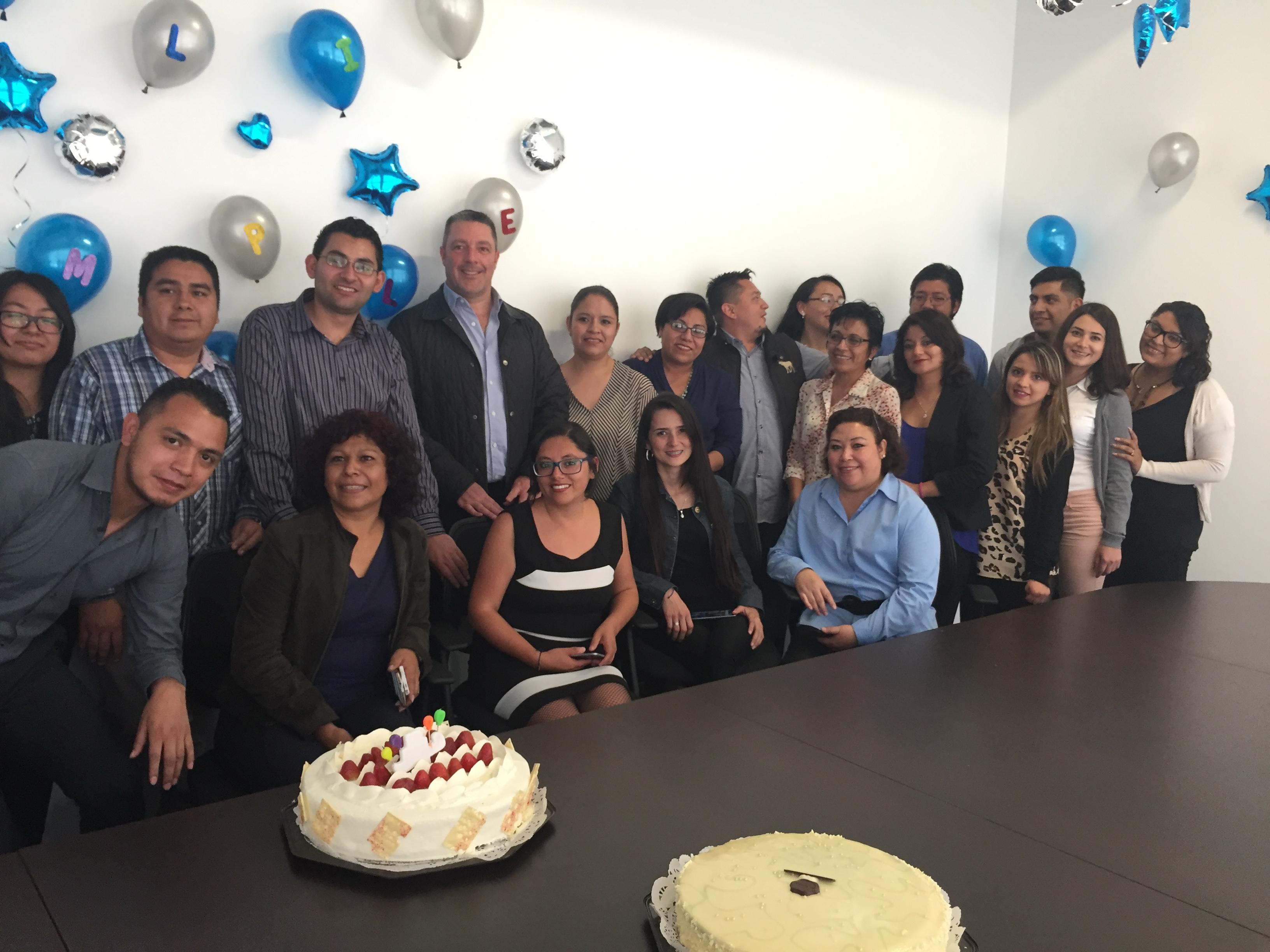 La foto con trabajadores de oficinas