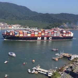 Barco Pierde Contenedores de Exportación en España