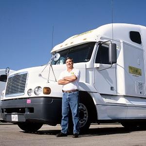 Faltan Conductores de Camiones de Carga en Estados Unidos