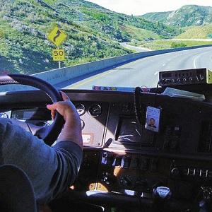 Falta de Conductores de Camión Pega a la Industria