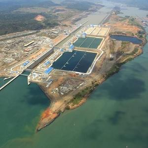 Panamá y China Firman Acuerdos de Comercio