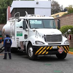 Pemex Busca Conductores de Pipas de Combustible