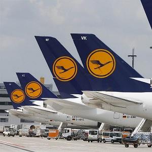 Aerolínea Alemana Lufthansa Baja Utilidades