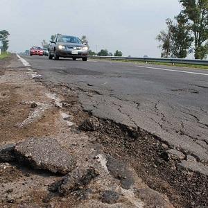 Autopistas en Oaxaca Presentan Deterioro Grave